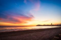 Puesta de sol en la playa de Poniente